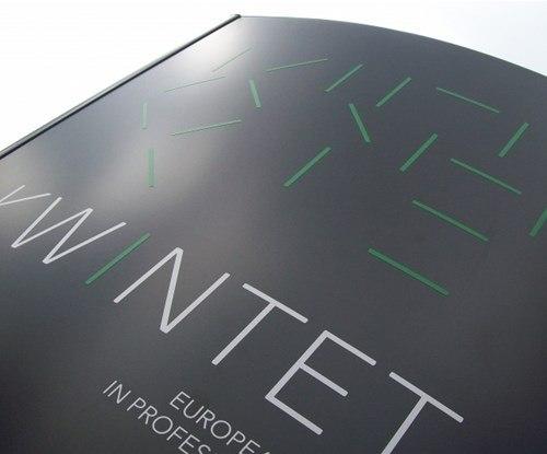 Kwintet signage close-up