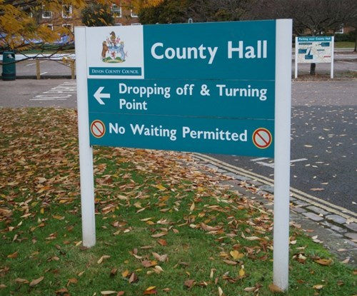 Devon County Council panel and post directional signage