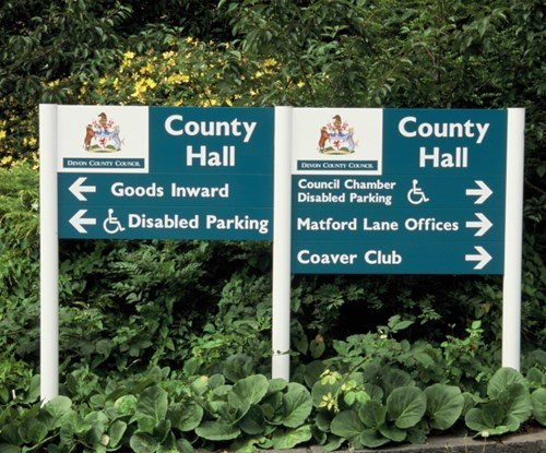 Devon County Council panel and post wayfinding signs
