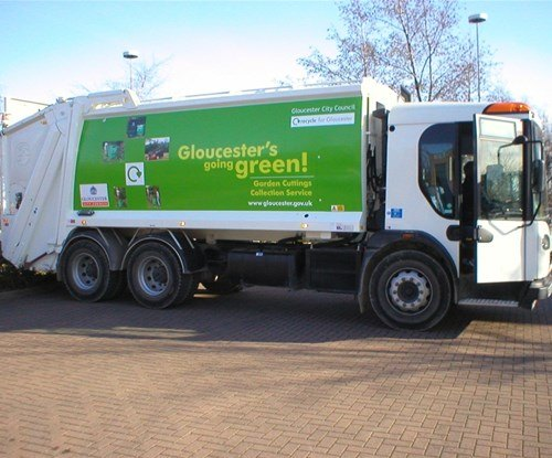 Full colour graphics & lettering for a Gloucester City Council Recycling lorry