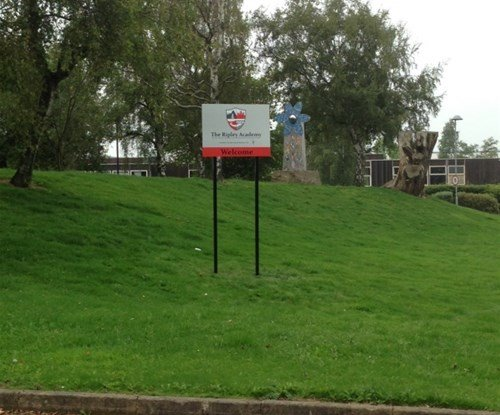 Top marks for new school signs