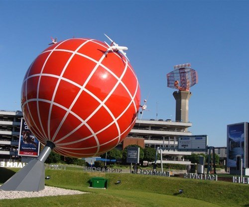 The sphere in position!