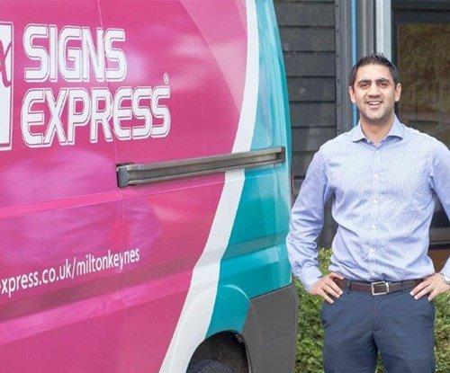 Janiv Patel joins Signs Express (Milton Keynes)