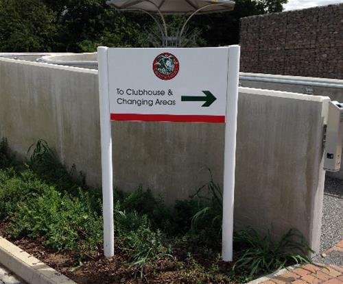 Directional Sign branded in Harlow RUFC colours