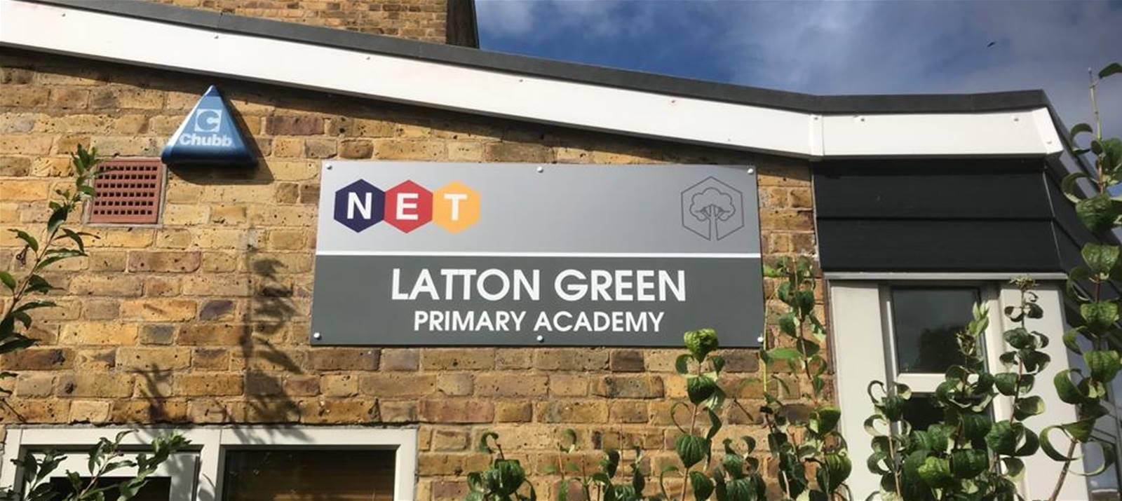 Katherine Primary Academy main school sign