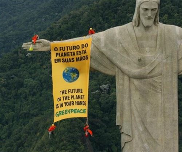 Greenpeace fly the flag for the environment in Rio