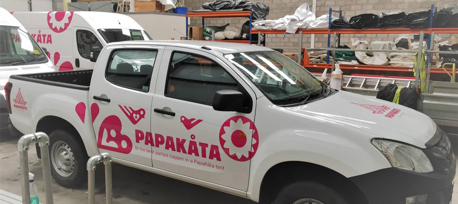 Papakata Vehicle Graphics York
