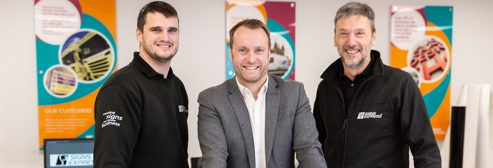 Signs Express Opens New Centre in Macclesfield